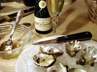 oyster_and_champagne